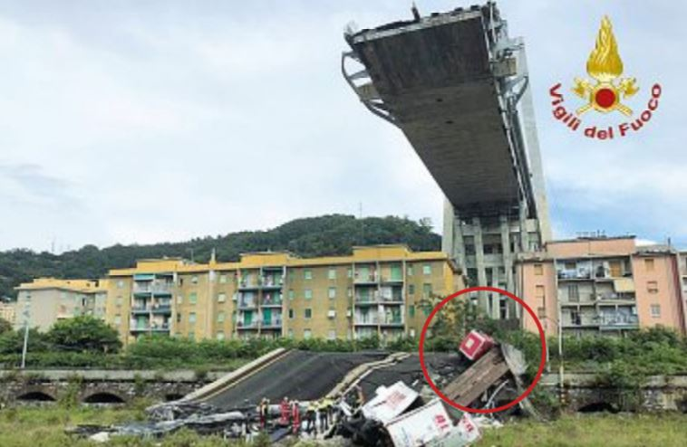 Erano già caduti dei pezzi del ponte Morandi, ma Autostrade aveva solo risarcito i danni
