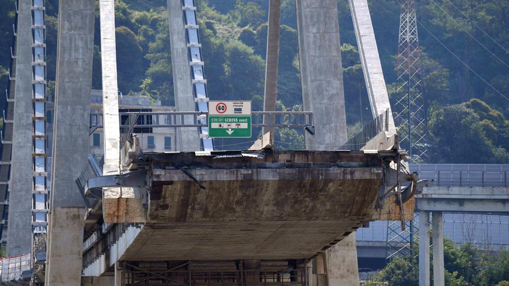 """Autostrade contro Cesi: """"Non avevano il metro per pronunciarsi sulla stabilità del Morandi"""""""