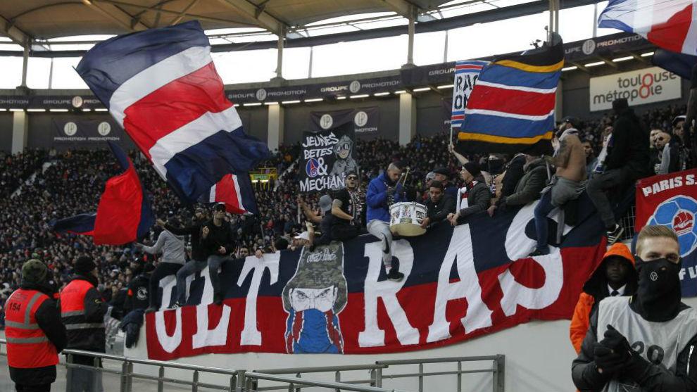 Il Psg contro i suoi ultras dopo gli scontri con i tifosi della Stella Rossa: «Saranno banditi dallo stadio»