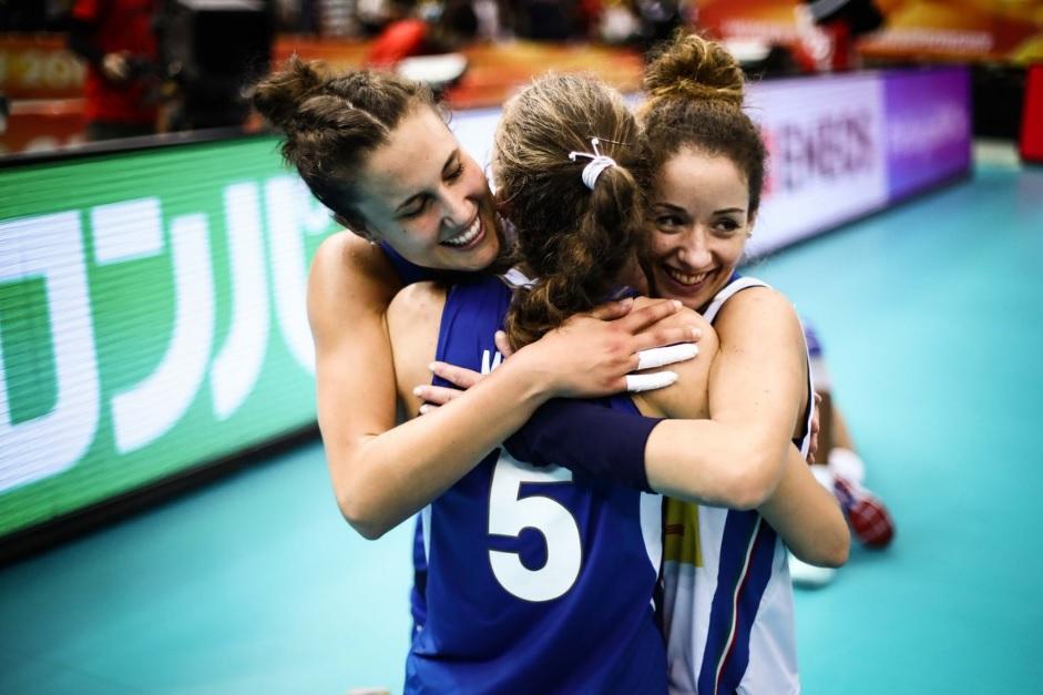 Volley, Italia d'argento: le ragazze di Mazzanti battute al tie break dalla Serbia