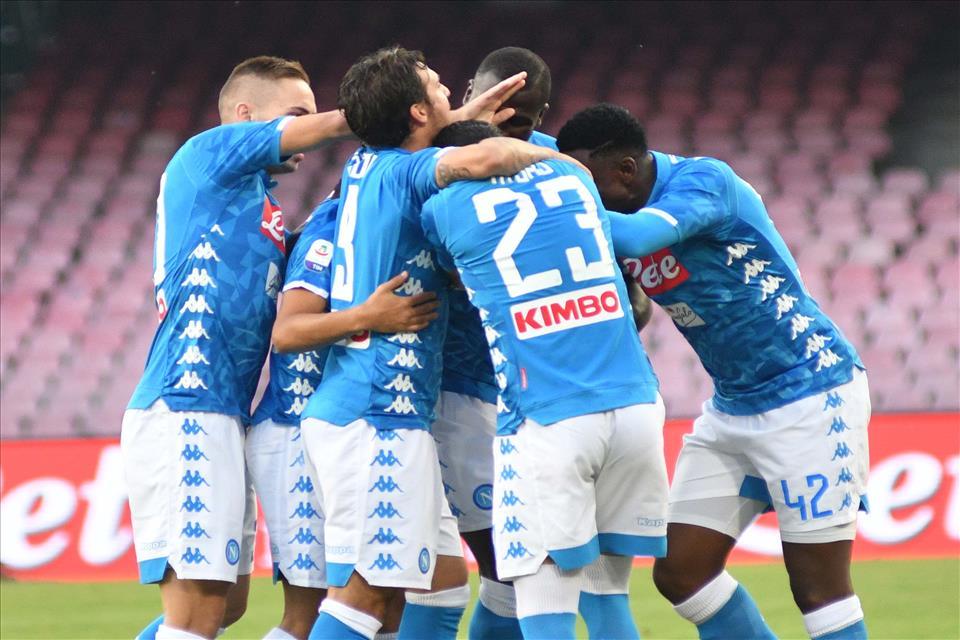 Napoli-Sassuolo 2-0, pagelle / Mai vista una democrazia del genere a Napoli