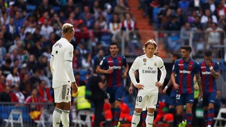 La crisi nera del Real Madrid: il Levante vince al Bernabeu (1-2), Lopetegui a forte rischio