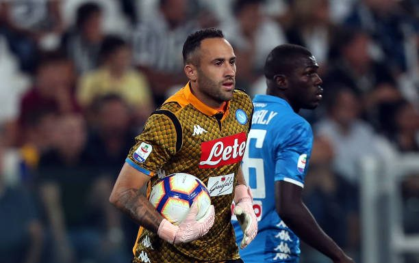Ospina me sta surprennenno, Insigne mettette 'a firma soja