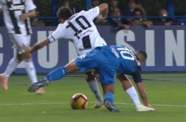 Marelli: «Il rigore per la Juventus è netto, anche se Dybala accentua la caduta»