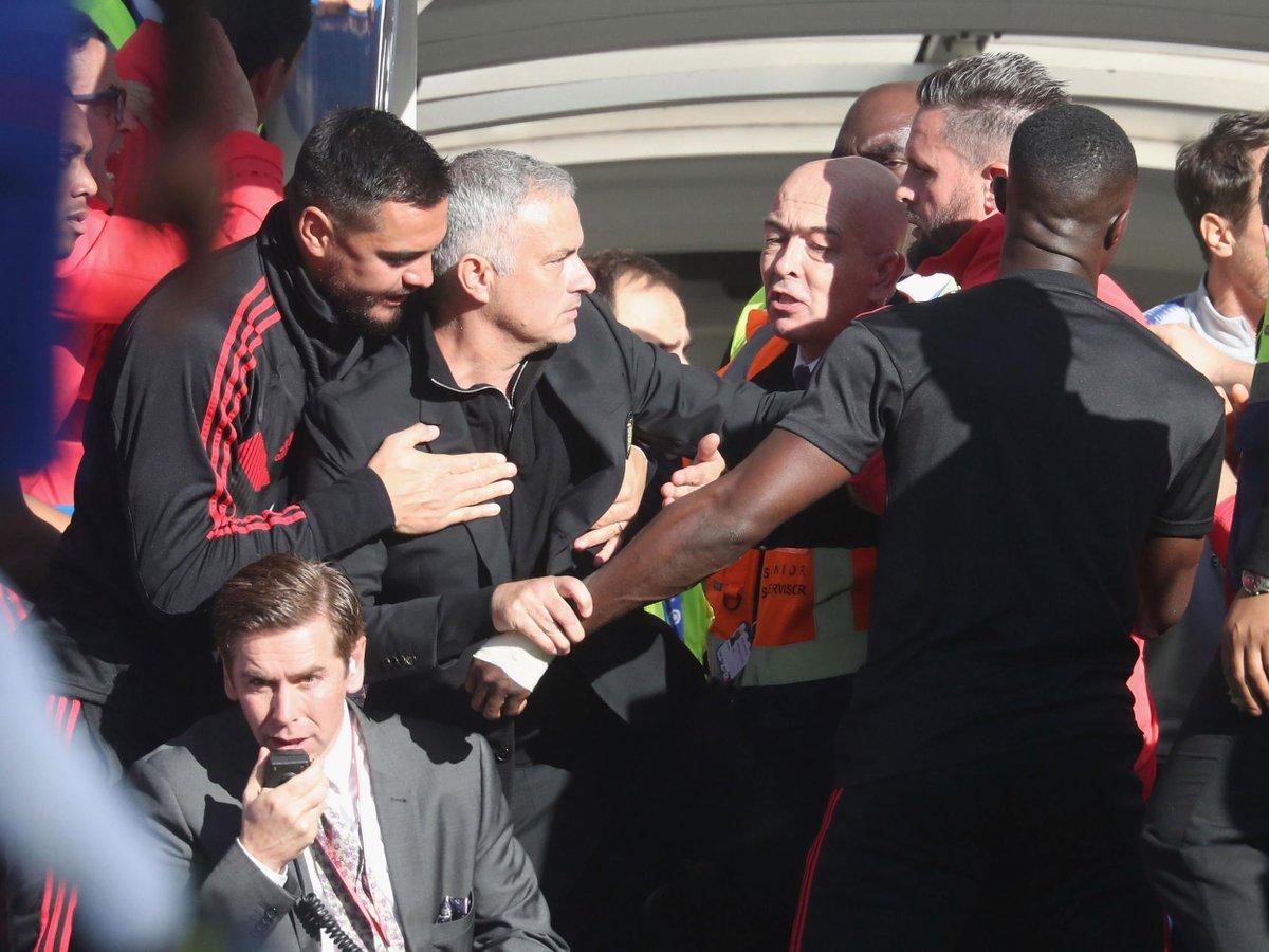 È stato Marco Ianni (assistente di Sarri) a esultare in faccia a Mourinho. Si è scusato
