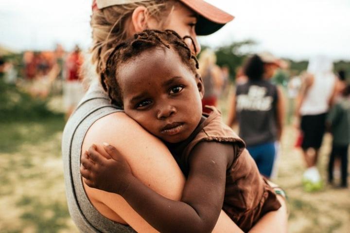 Francesca, volontaria in Togo: «La solidarietà è un valore intimo e individuale»
