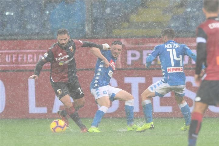Genoa-Napoli, 1-2, pagelle / Ruiz trasforma la pioggia in oro