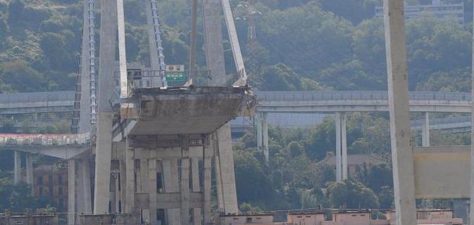Ponte Morandi pronto il 2020. Autostrade tratta con gli sfollati