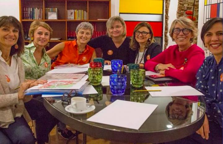 Le abbiamo a Napoli sette donne che portano la città in piazza per dire sì al termovalorizzatore?