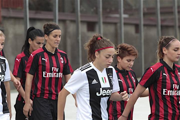 Calcio femminile, perché le maglie di Juve e Milan hanno le stellette dei maschi?