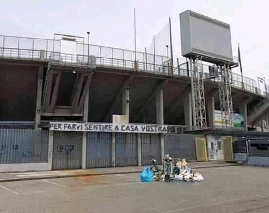 Fotomontaggio sui social: spazzatura e striscioni per Atalanta-Napoli