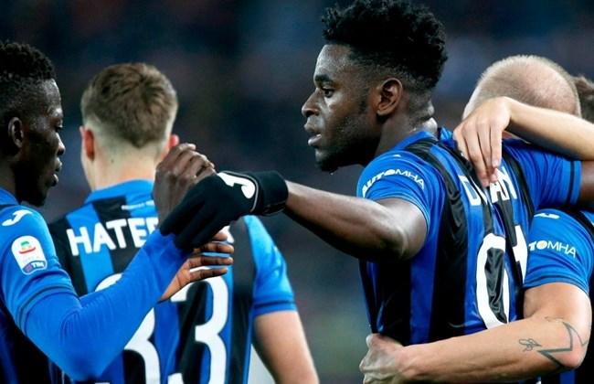 Doppietta di Duvan Zapata (19 gol in campionato), l'Atalanta è quinta