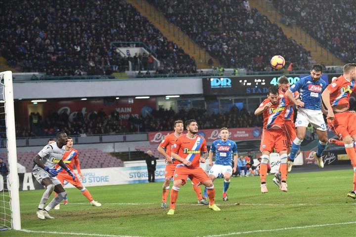 Napoli-Spal 1-0, pagelle / Il cuore saldo di Meret che miracoleggia al 91'