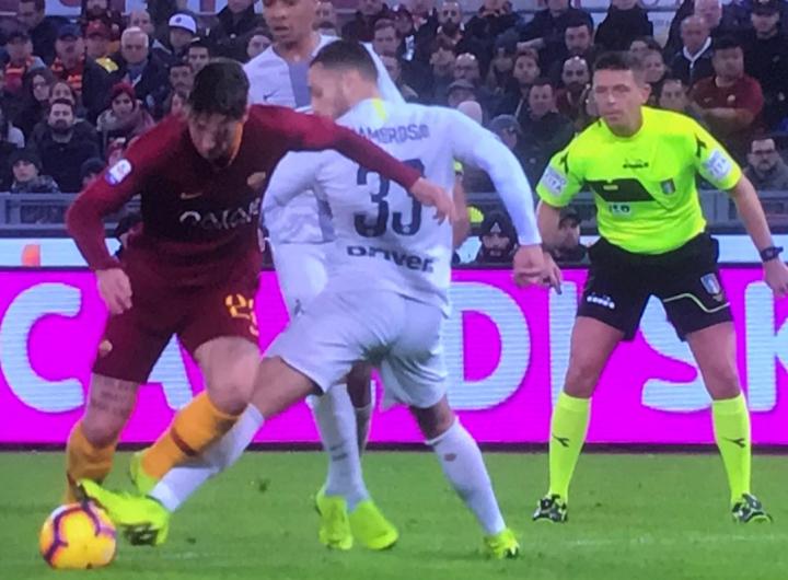 Caos Var in Roma-Inter: «Inspiegabile la mancata review su D'Ambrosio-Zaniolo»