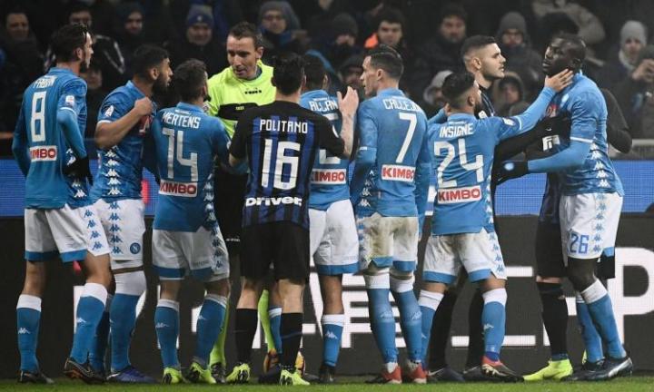 La Uefa: «Inter-Napoli andava sospesa, non rispettato il protocollo anti-razzismo»
