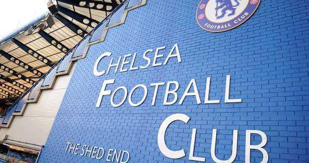 Il Chelsea ha sospeso i tifosi che hanno insultato Sterling