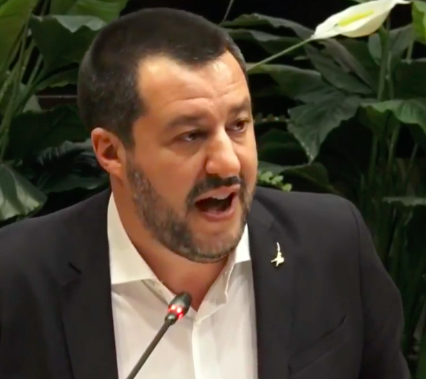 Gianni Mura: Salvini accarezza il mondo ultrà