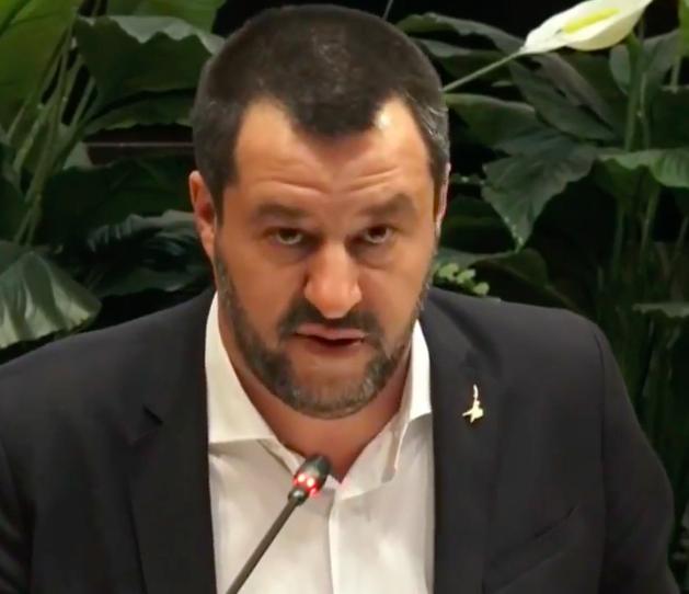 A nome di chi ha parlato Salvini dopo il vertice sul calcio?