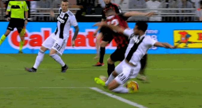 Spopola su Twitter #JuveOut l'hashtag nazionale contro i favoritismi bianconeri
