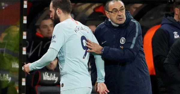 Finale coppa di Lega Chelsea-City, Sarri lascia Higuain in panchina