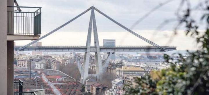 Ponte Morandi: per i periti della Procura cadde per primo lo strallo della pila 9