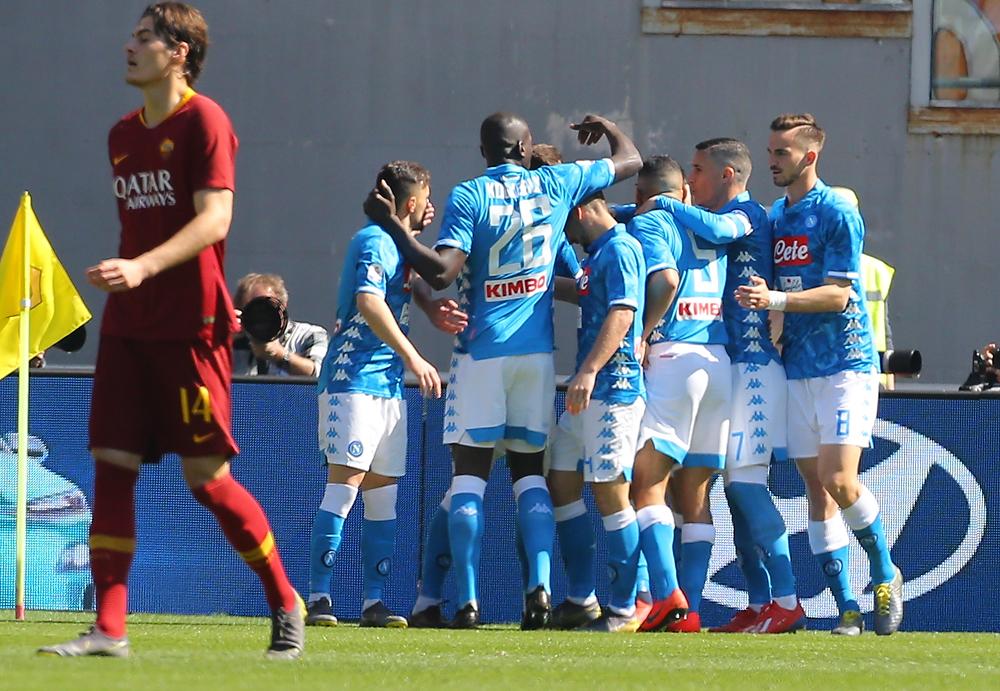 Nella ripresa il Napoli fa il Napoli e passeggia sulla Roma (1-4)