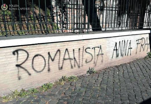 Scritte antisemite a Roma a pochi giorni dal derby