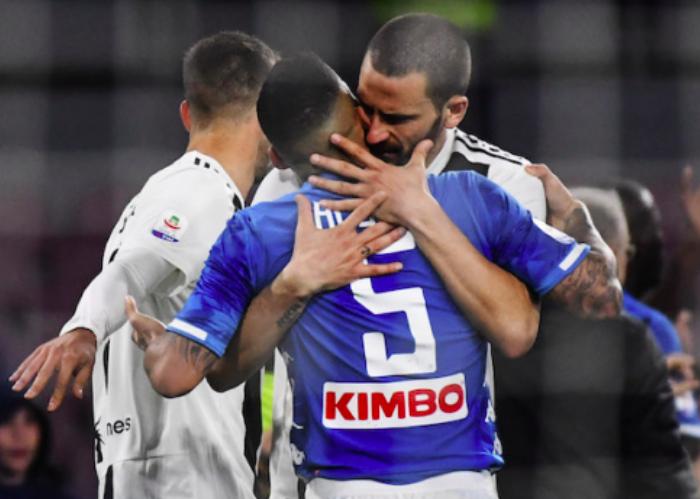 Applausi al Napoli per il tweet di complimenti alla Juventus