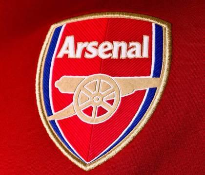 Guardian |  il tifoso dell'Arsenal arrestato negli Emirati lancia un reclamo per i diritti