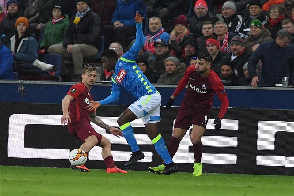 Genoa e Chievo prima delle due sfide del Napoli con l'Arsenal