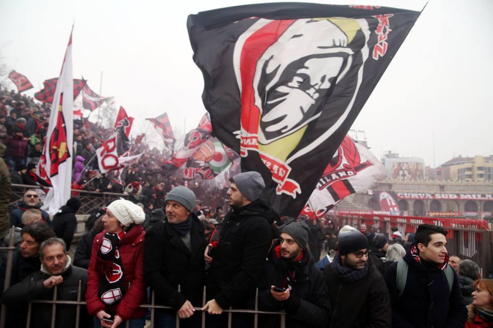 I rapporti tesi in Curva Sud alla base dell'agguato del boss della droga a Milano