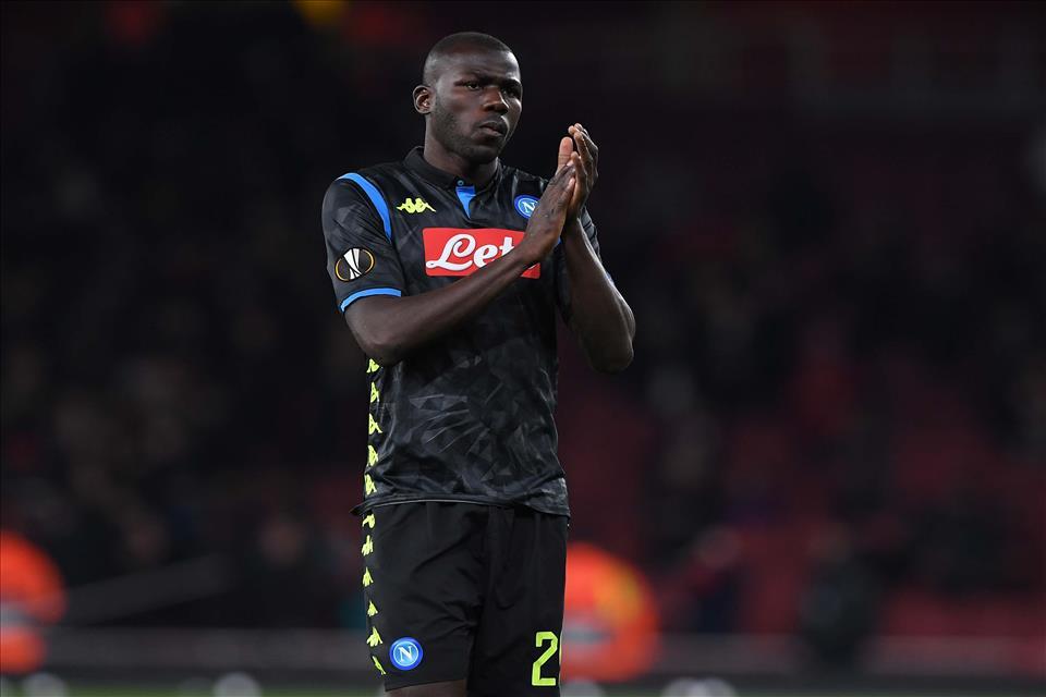 The Sun: I tifosi dello United attaccano Koulibaly dopo la prestazione con l'Arsenal
