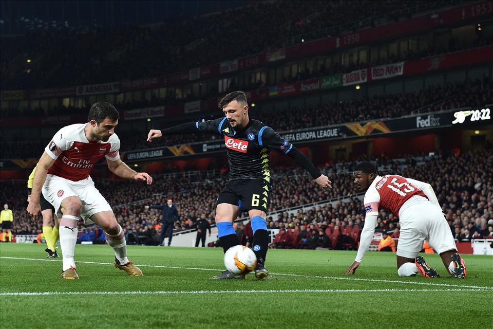 Il commento sulla Gazzetta: Napoli-Arsenal, una sfida che vale una stagione