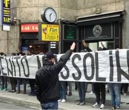 Coppa Italia    striscione fascista e cori razzisti    ma la partita si gioca