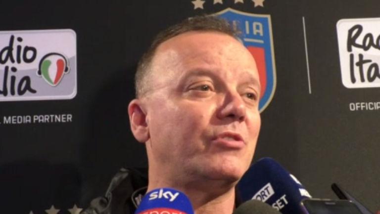 La ricetta di Gigi D'Alessio: «Per battere la Juve compriamo un arbitro»