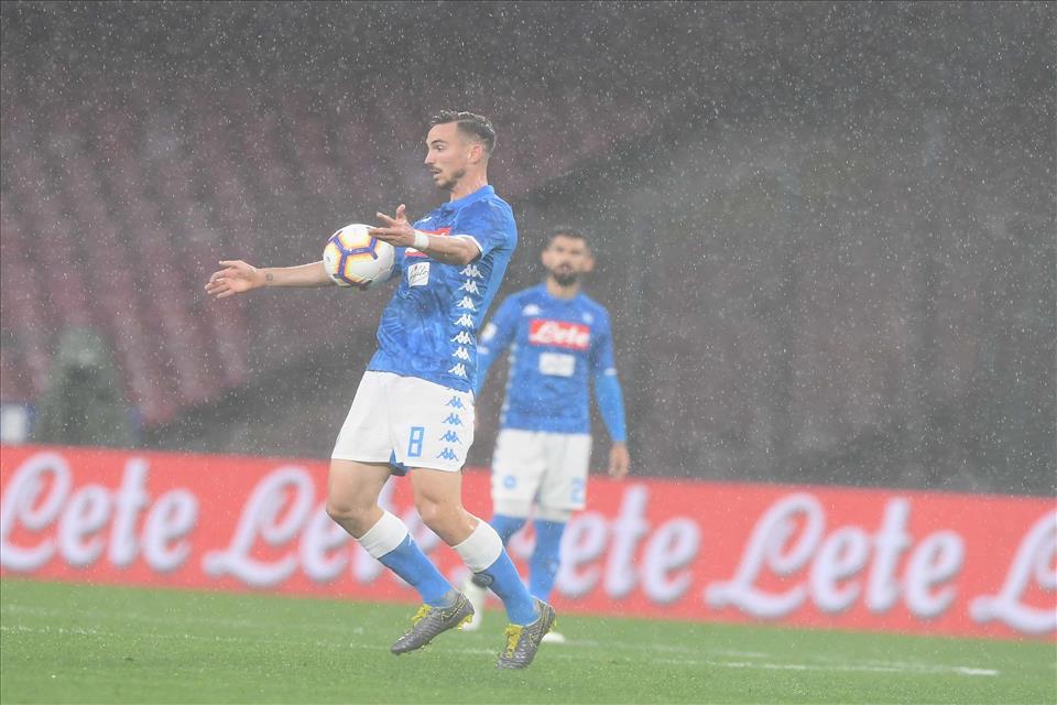 Il Napoli si è arreso, ma i tifosi prima
