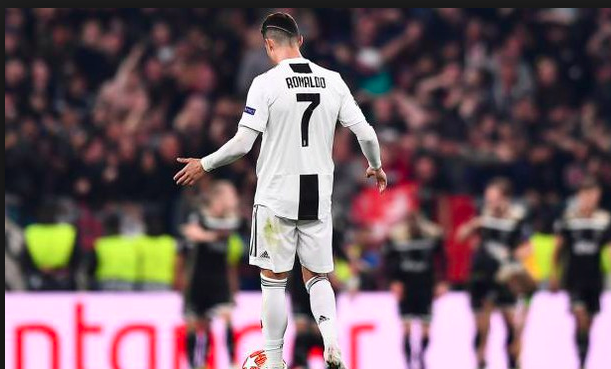 Gazzetta: La frustrazione di Ronaldo nel calcio a  Veltman