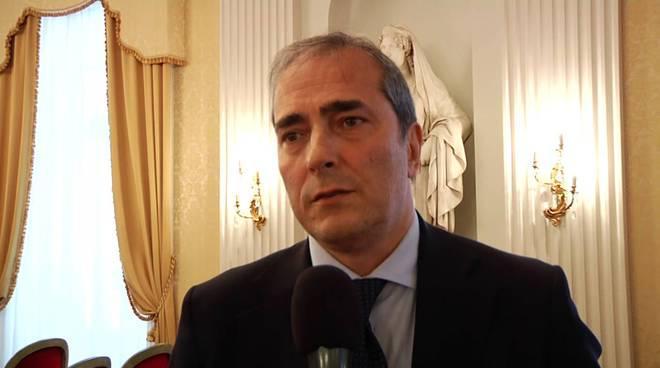 Enzo d'Errico: «La cosiddetta élite di Napoli contesta De Laurentiis perché ha il culo al caldo»