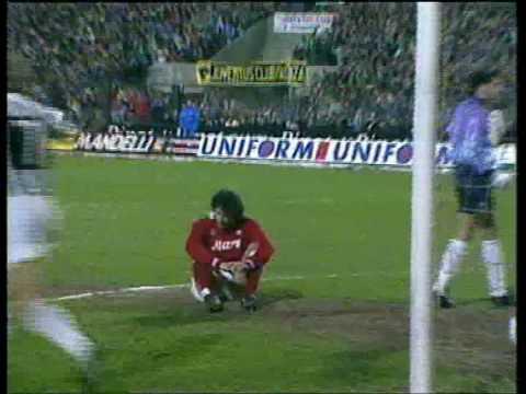 Il Napoli come nel 1989 in Coppa Uefa: 2-0 dalla Juventus con un'autorete di Corradini