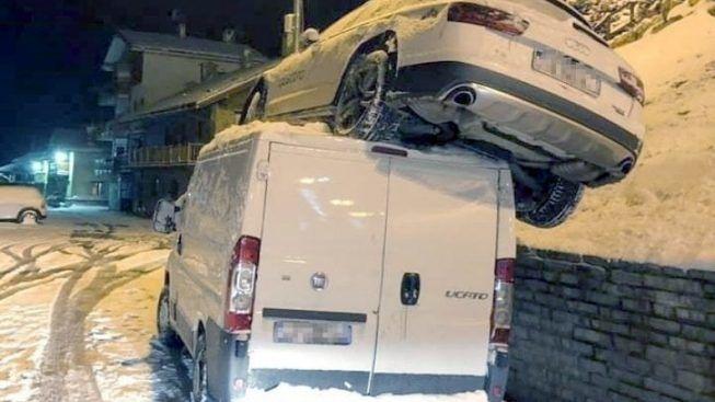 Sofia Goggia va fuori strada, per fortuna che sotto c'era un furgone