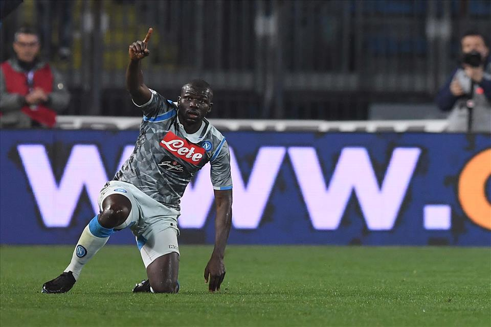 """Gazzetta: """"Napoli con la spina staccata, la foto è il retropassaggio di Koulibaly"""""""