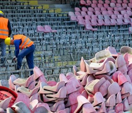 FOTO Universiade: prosegue lo smontaggio dei seggiolini al S