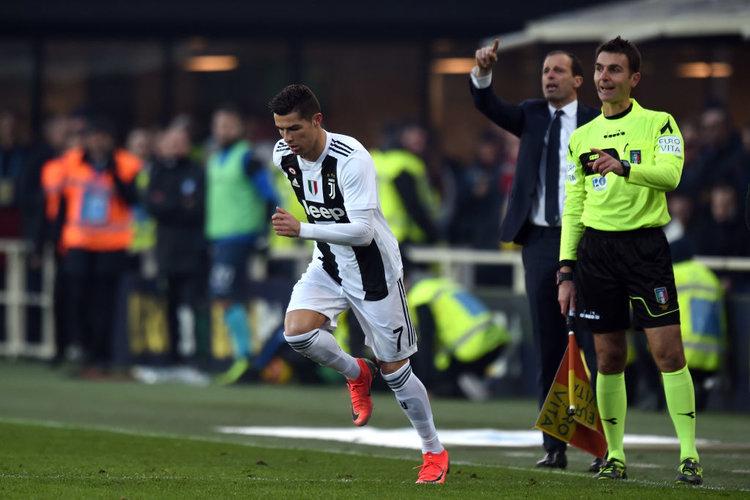 Repubblica: Cristiano Ronaldo prima aveva una squadra attorno, adesso deve cucirla lui