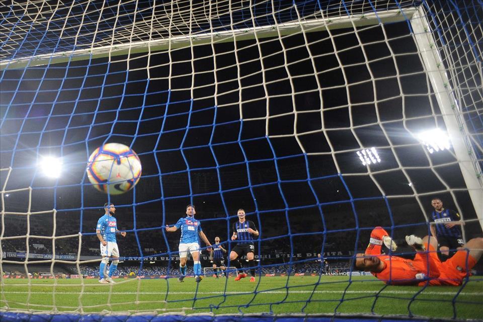 Napoli-Inter 4-1, pagelle / La leggerezza di fine stagione ci mostra il Napoli di Ancelotti