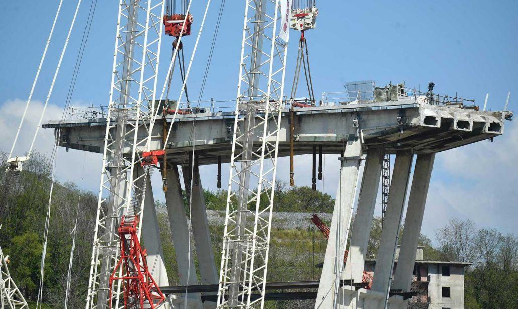 Ponte Morandi. Dubbi sui due progetti di retrofitting: troppo diversi tra loro