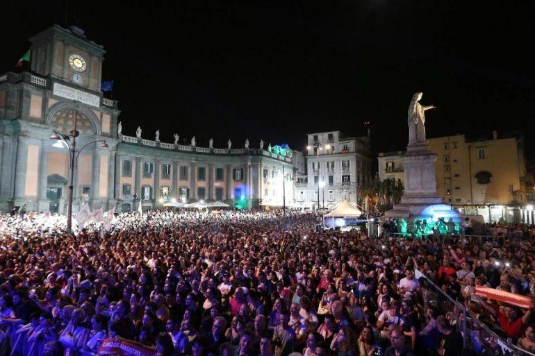 1° maggio. Il concerto di piazza Dante finanziato dalla tassa di soggiorno dei turisti
