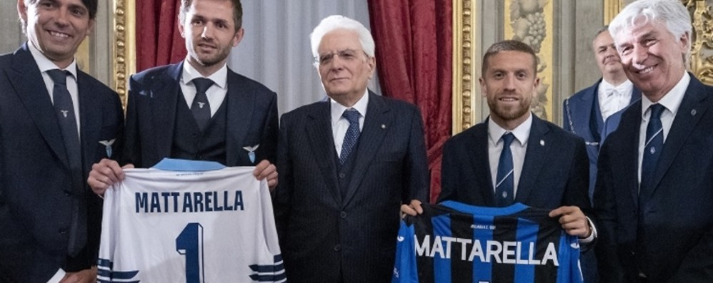 Mattarella a Lazio e Atalanta: «Meno attenzione ai diritti tv e più impegno a fare crescere i giovani calciatori»