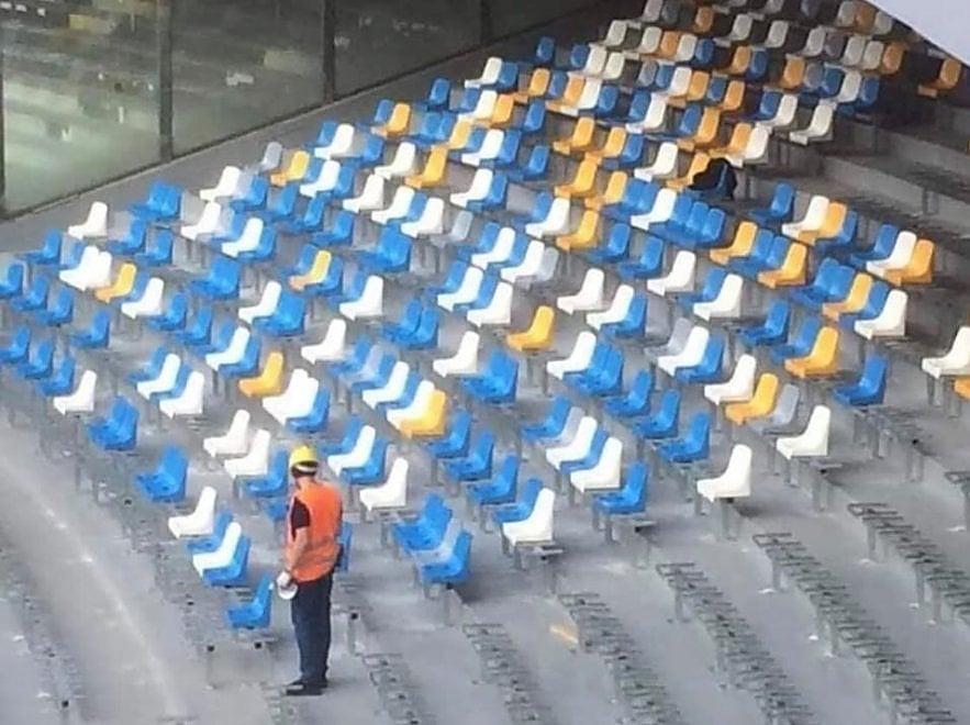 Il Mattino: trovati a casa di un Lsu del Comune venti nuovi sediolini del San Paolo