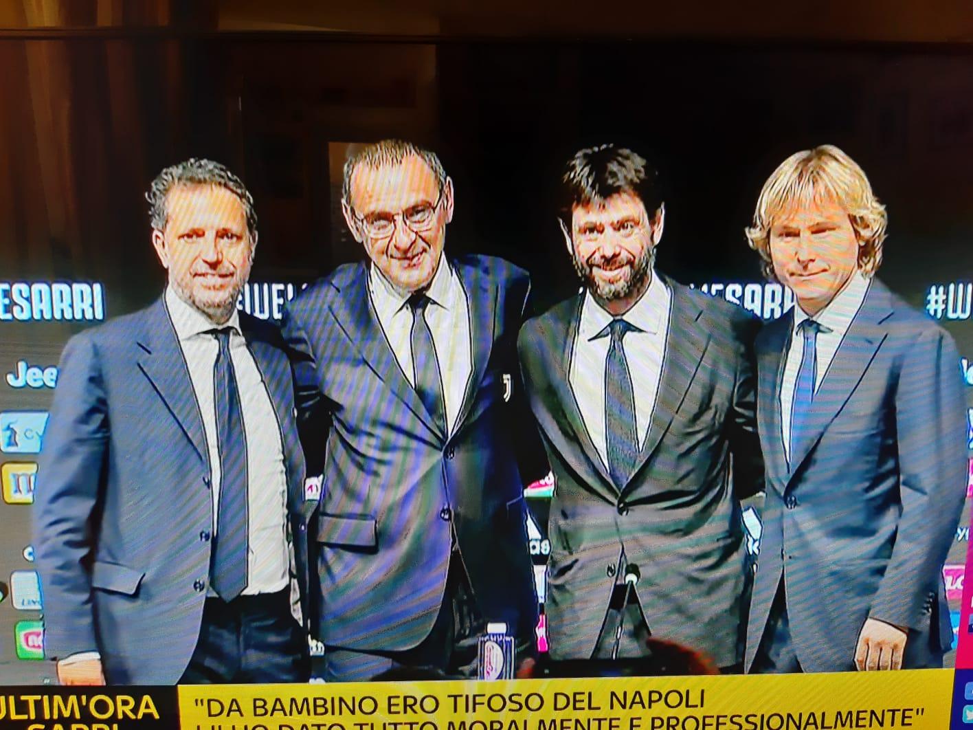 """Pedullà: """"Sarri dimezzato alla Juventus, non può allenare e non ha certezze dal mercato"""""""