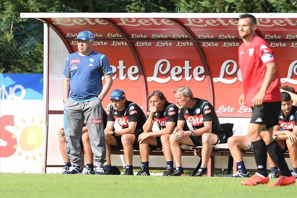 Zazzaroni: Napoli favorito per lo scudetto. Ancelotti non sbaglia due stagioni di fila